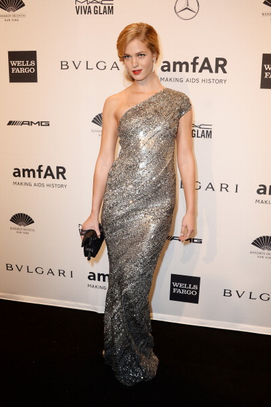 エリン・ヘザートン「Mercedes-Benz 2014 amfAR New York Gala」:写真・画像(6)[壁紙.com]