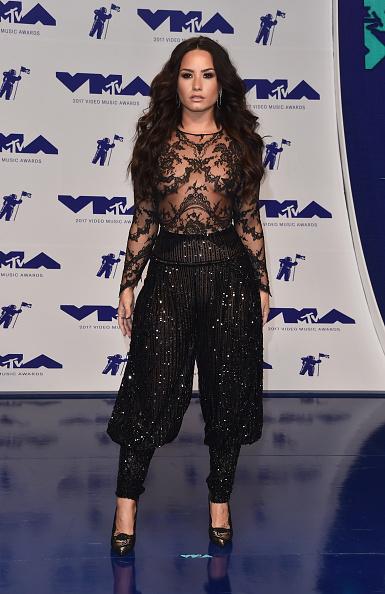 Lace - Textile「2017 MTV Video Music Awards - Arrivals」:写真・画像(11)[壁紙.com]