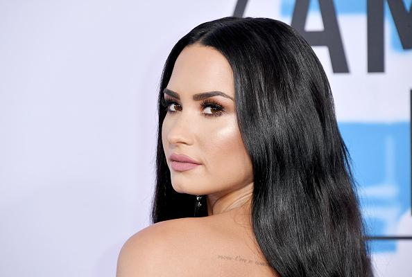 デミ・ロヴァート「2017 American Music Awards - Arrivals」:写真・画像(7)[壁紙.com]