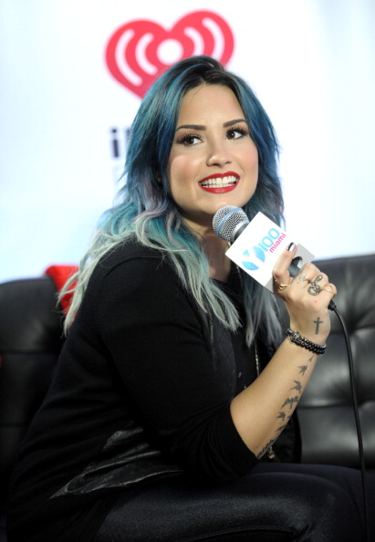 T 「Y100's Jingle Ball 2013 Presented By Jam Audio Collection - Press Room」:写真・画像(11)[壁紙.com]