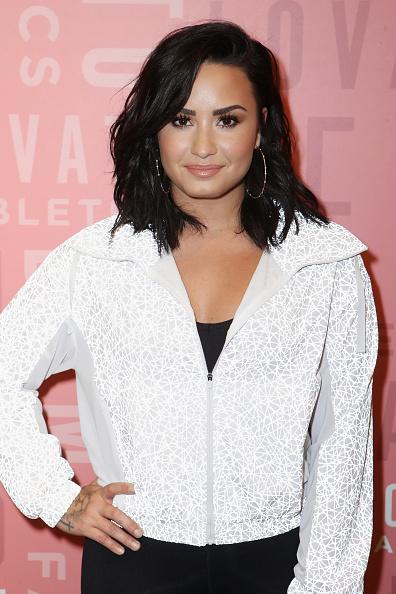 Demi Lovato「Demi Lovato visits Fabletics at The Village at Westfield Topanga」:写真・画像(8)[壁紙.com]