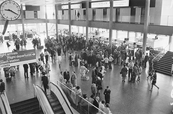 Passenger「Gatwick Airport」:写真・画像(15)[壁紙.com]