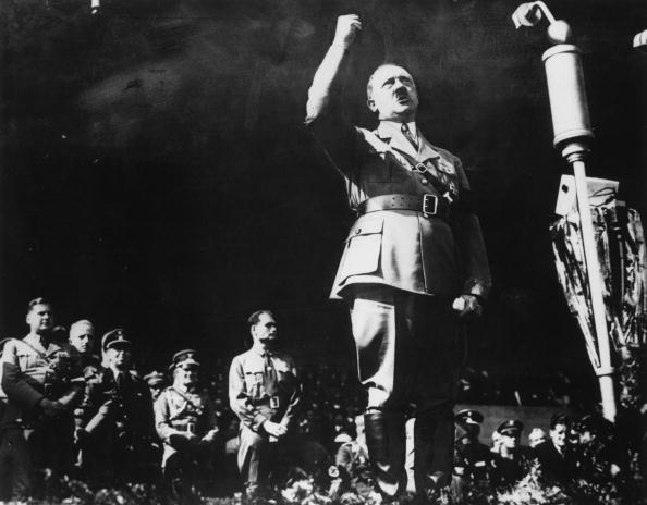 Black And White「Hitler Address」:写真・画像(14)[壁紙.com]