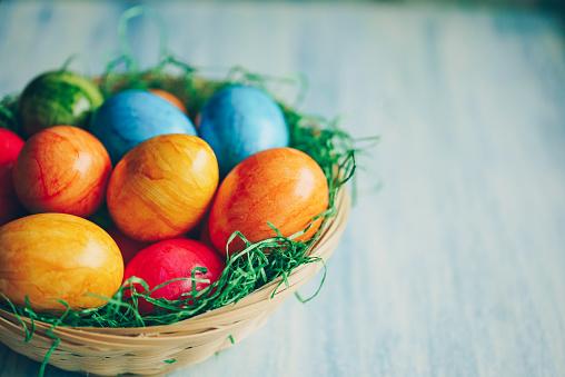 Easter Basket「Easter eggs basket on a blue background」:スマホ壁紙(19)