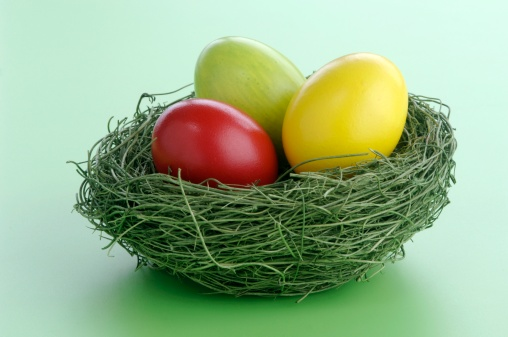 Easter「Easter eggs in nest, close-up, elevated view」:スマホ壁紙(18)