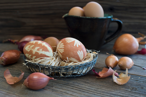 イースター「Easter eggs dyed with onion skins」:スマホ壁紙(8)