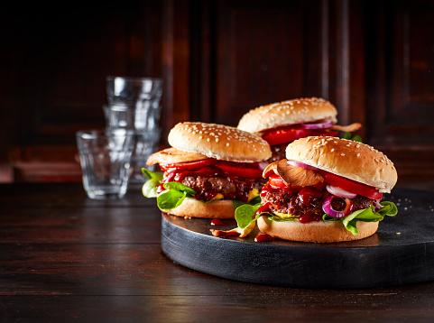 Bun - Bread「Mini burgers with mushrooms on serving tray」:スマホ壁紙(11)