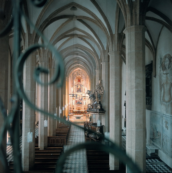 Benedictine「Interior view of the collegiate church Saint Lambr」:写真・画像(17)[壁紙.com]