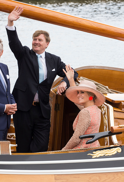 Netherlands「King Willem-Alexander and Queen Maxima Of The Netherlands Tour Friesland Province」:写真・画像(1)[壁紙.com]