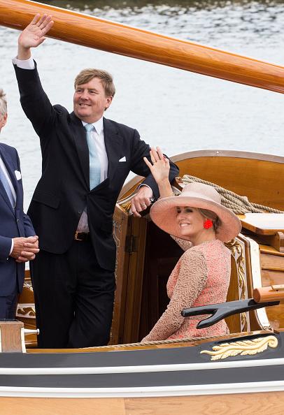Netherlands「King Willem-Alexander and Queen Maxima Of The Netherlands Tour Friesland Province」:写真・画像(2)[壁紙.com]