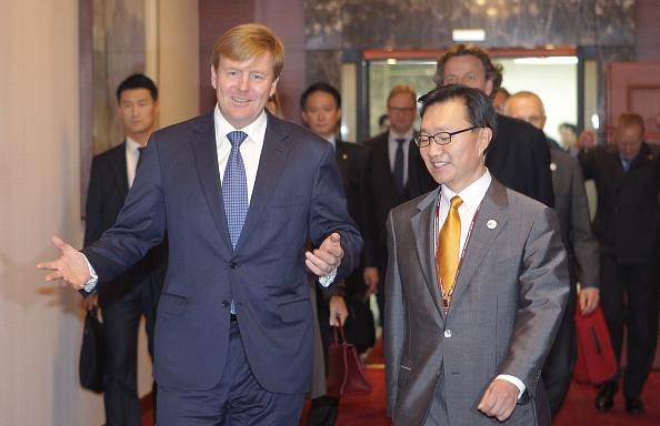 Chung Sung-Jun「King Willem-Alexander Of Netherland Visits South Korea - Day 1」:写真・画像(7)[壁紙.com]