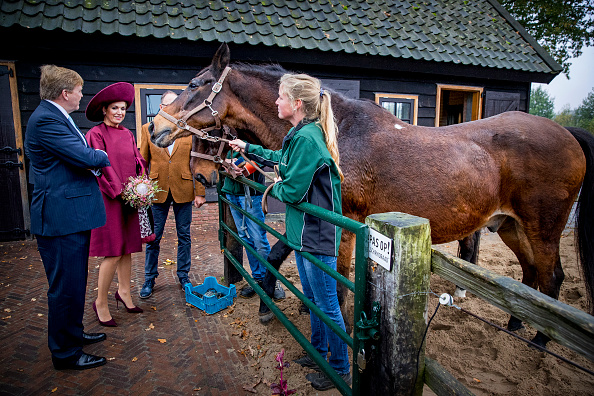 Utrecht「King Willem-Alexander and Queen Maxima of The Netherlands Visit The Eemland」:写真・画像(7)[壁紙.com]