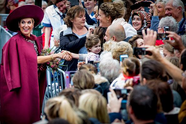 Utrecht「King Willem-Alexander and Queen Maxima of The Netherlands Visit The Eemland」:写真・画像(16)[壁紙.com]
