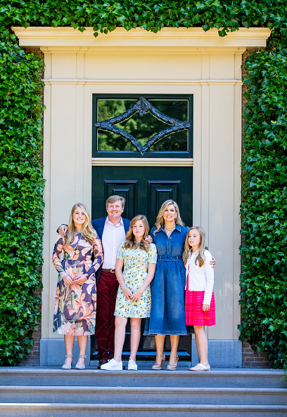 Netherlands「Dutch Royal Family Summer Photo Call In Wassenaar」:写真・画像(0)[壁紙.com]