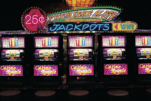 Machinery「Slot machines in casino」:スマホ壁紙(3)