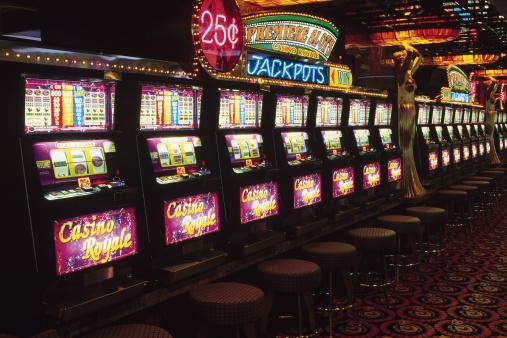 1990-1999「Slot machines in casino」:スマホ壁紙(11)