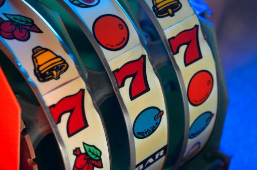Competitive Sport「Slot Machine Wheels」:スマホ壁紙(10)