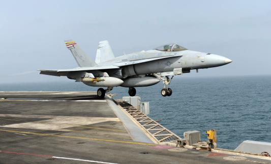 Indian Ocean「An F/A-18C Hornet launches from the aircraft carrier USS Harry S. Truman.」:スマホ壁紙(0)
