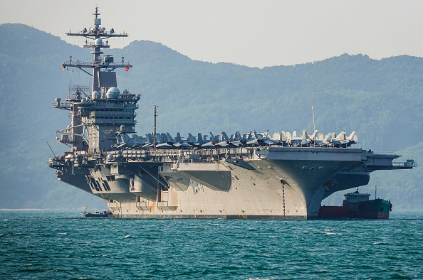 Warship「U.S. Aircraft Carrier Makes Historic Visit To Vietnam」:写真・画像(0)[壁紙.com]