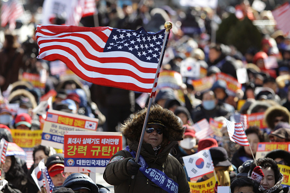 The Knife「S. Korean Conservatives Rally To Denounce The Attack On U.S. Ambassador」:写真・画像(19)[壁紙.com]