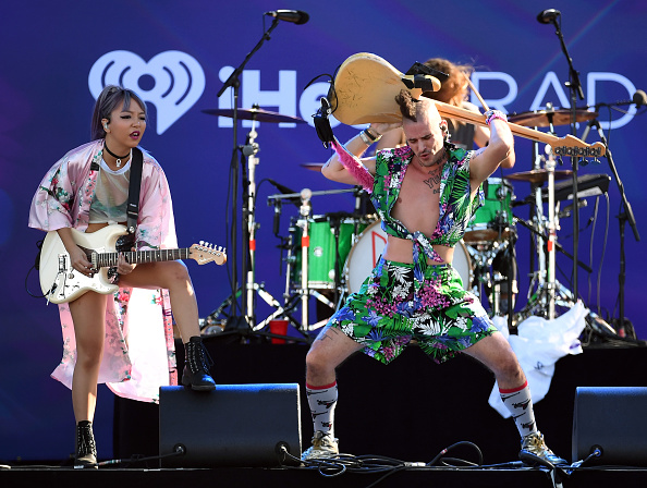 エレキギター「2016 Daytime Village At The iHeartRadio Music Festival On September 24, 2016」:写真・画像(12)[壁紙.com]
