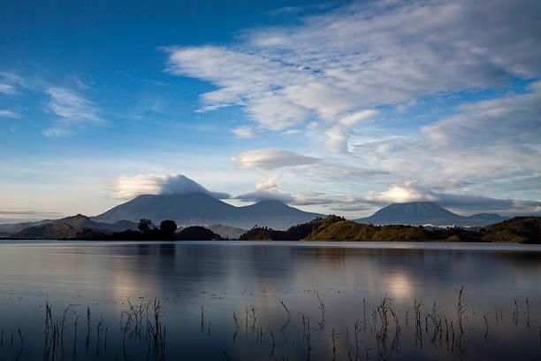 Virunga Volcanoes, Uganda:スマホ壁紙(壁紙.com)