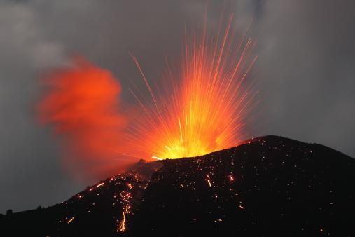 Volcanic Activity「June 2, 2009 - Krakatau eruption, Sunda Strait, Indonesia.」:スマホ壁紙(15)