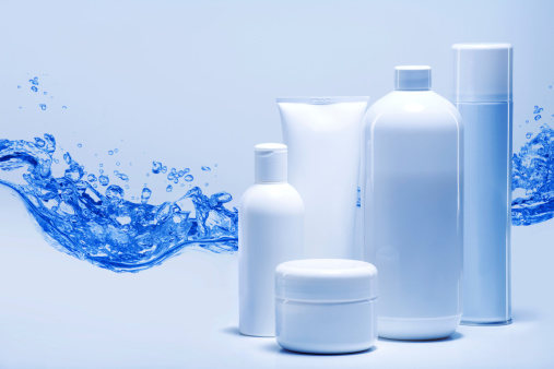 Care「cosmetics against water background」:スマホ壁紙(13)