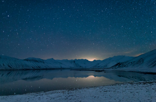 Peninsula「Starry night over snow covered landscape」:スマホ壁紙(4)