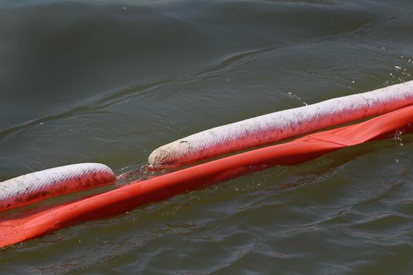The Nature Conservancy「Massive Oil Slick Reaches Louisiana Gulf Coast」:写真・画像(4)[壁紙.com]