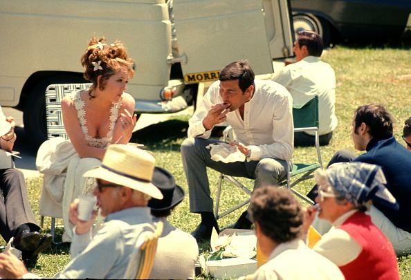 Eating「On Her Majesty's Secret Service」:写真・画像(3)[壁紙.com]