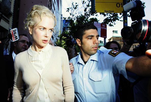 Peter Pan collar「Nicole Kidman Gives Evidence In Sydney Court」:写真・画像(16)[壁紙.com]