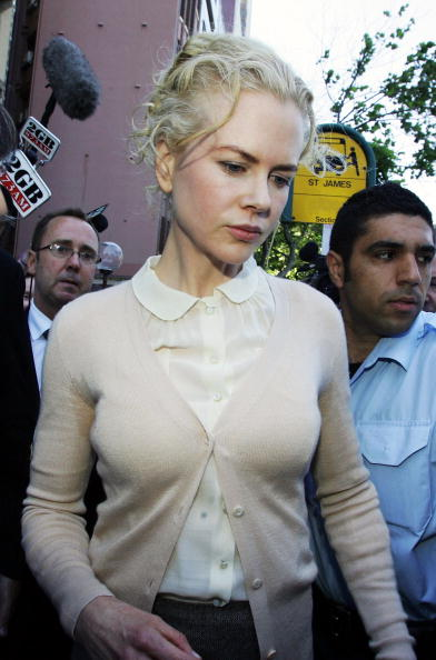 White Blouse「Nicole Kidman Gives Evidence In Sydney Court」:写真・画像(8)[壁紙.com]