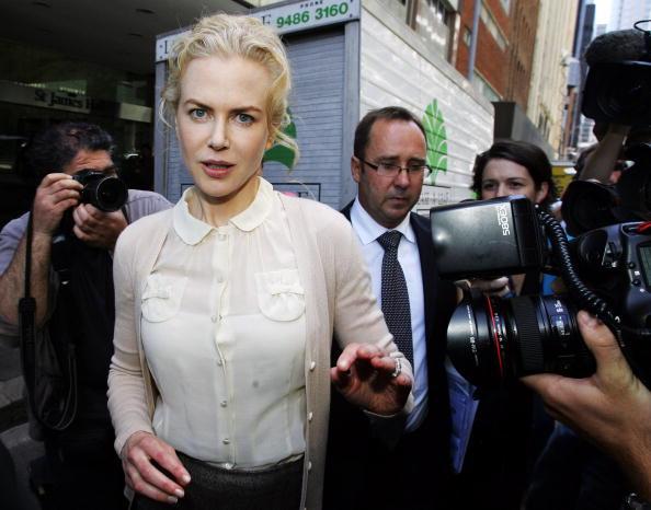 Peter Pan collar「Nicole Kidman Gives Evidence In Sydney Court」:写真・画像(17)[壁紙.com]