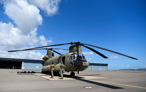 CH-47 Chinook「Chinook Helicopters Deploy To Assist In Firefighting Operations As Bushfires Continue To Burn Across Australia」:写真・画像(15)[壁紙.com]