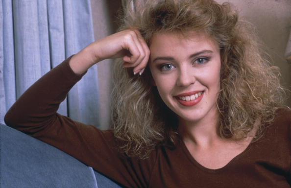 Kylie Minogue「Kylie Minogue」:写真・画像(4)[壁紙.com]