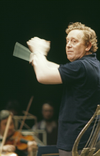 Erich Auerbach「Mackerras Conducts」:写真・画像(18)[壁紙.com]