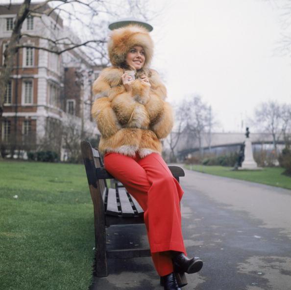 Fur「Olivia In Fur」:写真・画像(18)[壁紙.com]