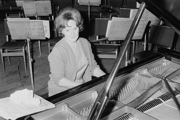 Classical Musician「Eileen Joyce At The Piano」:写真・画像(11)[壁紙.com]