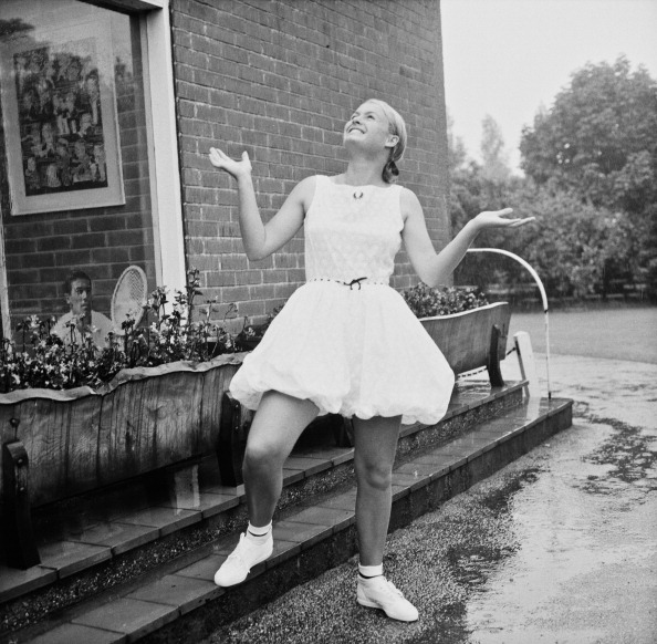 Looking Up「Fred Perry Bloomers」:写真・画像(8)[壁紙.com]