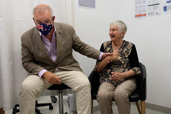 Best shot「Australian Prime Minister Scott Morrison Receives Pfizer Covid-19 Vaccination」:写真・画像(12)[壁紙.com]
