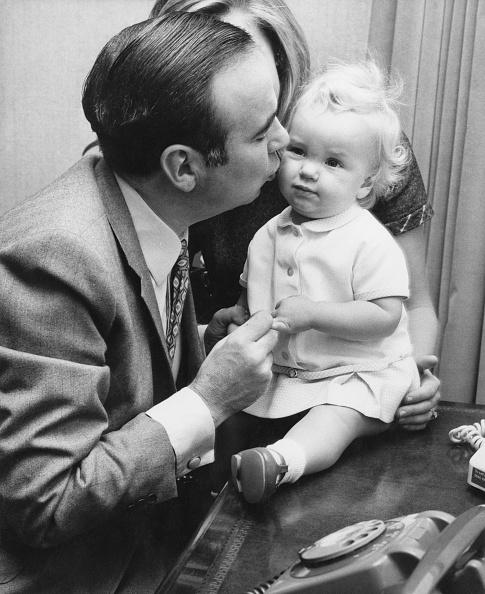 David Keeler「Murdoch And Baby Daughter」:写真・画像(1)[壁紙.com]