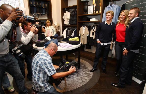 Kristy Hinze「Wallabies Berrick Barnes And Drew Mitchell Meet Model Kristy Hinze」:写真・画像(14)[壁紙.com]