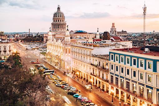 Havana「Havana, Cuba Skyline with Capitol」:スマホ壁紙(14)