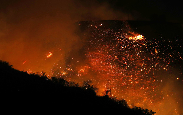 カリフォルニア州「Southern California Wildfires Forces Thousands to Evacuate」:写真・画像(14)[壁紙.com]