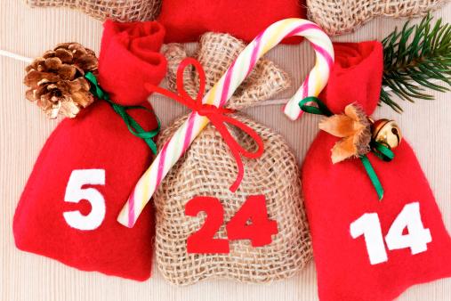 Advent「part of advent calendar with little bags」:スマホ壁紙(17)