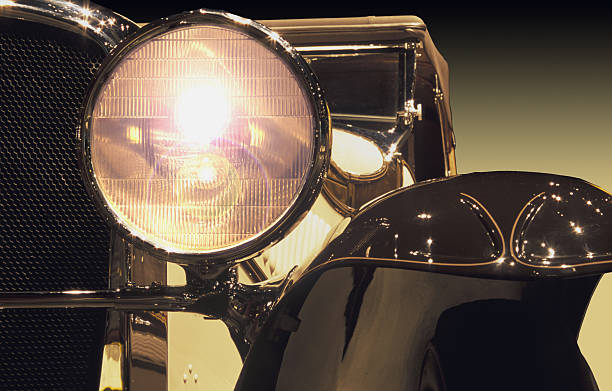 Vintage automobile headlight:スマホ壁紙(壁紙.com)