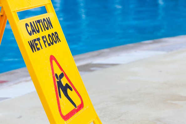 Wet「A caution sign on the edge of a swimming pool」:写真・画像(14)[壁紙.com]