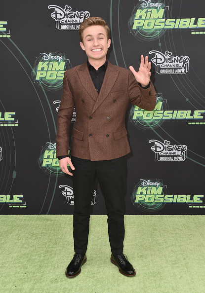 "Double Breasted「Premiere Of Disney Channel's ""Kim Possible"" - Arrivals」:写真・画像(14)[壁紙.com]"