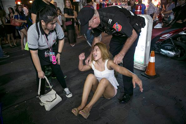 タイ王国「Crime Reduction Campaign In Pattaya Clamps Down On Thai Ladyboys」:写真・画像(15)[壁紙.com]